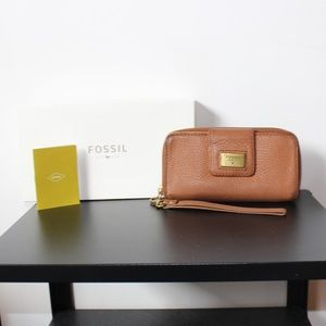 Fossil brown leather wallet wristlet tan cards